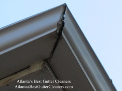 Smyrna's Best Gutter Cleaners can repair gutter problems.